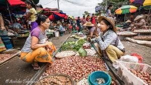 ターイゼイ市場(ミャンマー)
